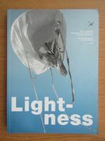 Anticariat: Lightness