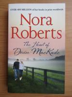 Anticariat: Nora Roberts - The heart of Devin MacKade