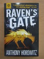 Anticariat: Anthony Horowitz - Raven's Gate