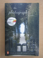 Penelope Lively - The photograph