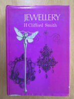 Anticariat: H. Clifford Smith - Jewellery