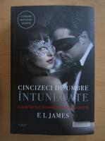 E. L. James - Cincizeci de umbre intunecate